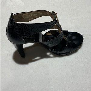 Michael Kors- zipper heel